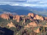 Escapa del calor rumbo a las cuevas y montañas deLeón