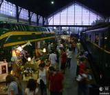 Mercado de Motores: el tren de tapeo y compras vintage que no debesperder.
