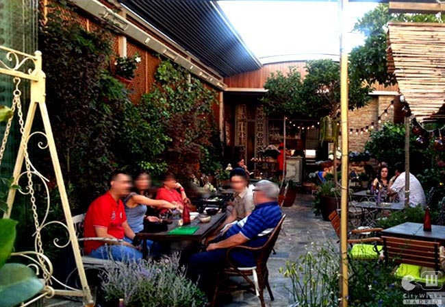 Viaje Al Jardin Secreto Y Salon De Te Vip Lounge De Salvador